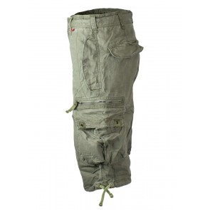 Three-quarters cargo shorts in oliv green by Molecule
